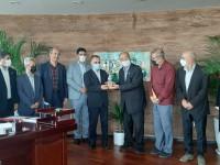 نشست صمیمانه اعضای جامعه خیرین مدرسه ساز کشور با مدیرعامل بیمه ایران