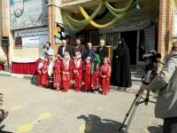 تجلیل از خیر مدرسه سازی که 110 مدرسه ساخت/ دانش آموزان از حاج اکبر ابراهیمی استقبال کردند