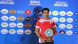 محمد طلایی قهرمان جهان و سرمربی جدید تیم ملی کشتی آزاد به کمپین #همه_برپا پیوست